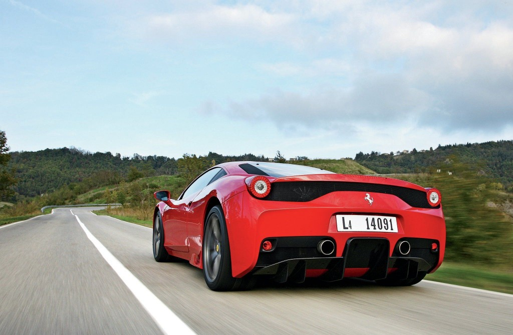 2015-ferrari-458-speciale-rear-view-05